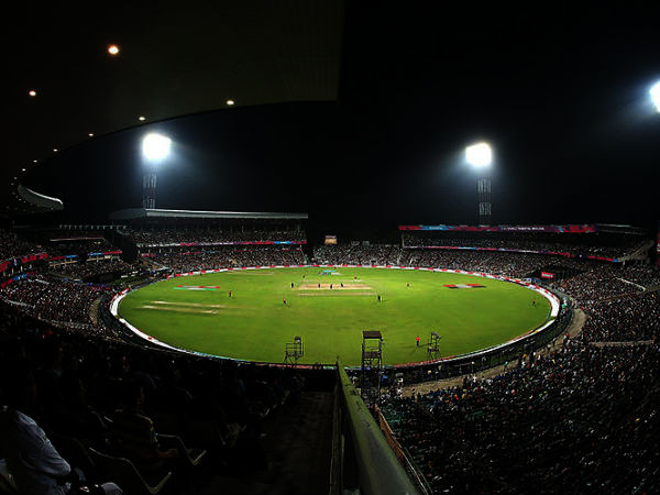 Ipl 2019 Floodlight Failure Poor Internet Speed At Eden Gardens