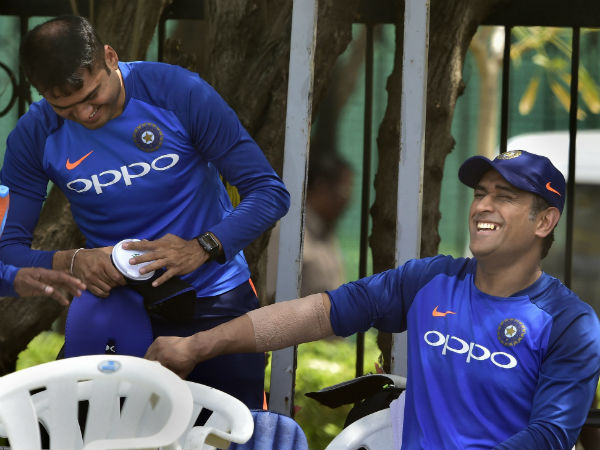 India Versus Australia First Odi Ms Dhoni Injured Nets