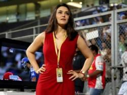 Preity Zinta Distributes Gifts Among Punjab Fans