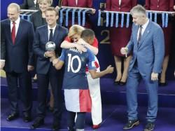 Croatian President Kolinda Grabar Kitarovic Robbed The Heart Of Many Across Globe
