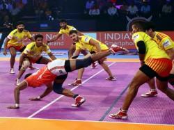 Pkl 2018 Puneri Paltan Vs Gujarat Fortunegiants Gujarat Taste First Win Of The Season