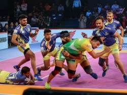Pkl 2018 19 Patna Pirates Thrash Thalaivas Fortunegiants Comeback Superbly