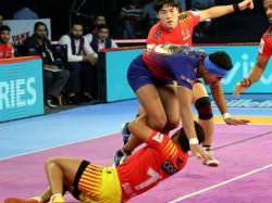 Pkl 2018 19 Delhi Defeats Fortunegiants Home Thalaivas Wins Souther Derby