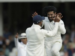 Australia Vs India Jadeja Carrying Shoulder Stiffness From India Indicates Shastri