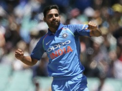 Watch Video Bhuvneshwar S Special Training Derail Australian Batsmen