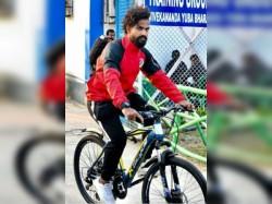 I League 2018 19 Kokata Derby Hero Jobby Justin S Bicycle Stolen