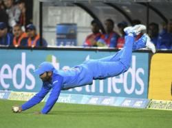 Watch Video Stunning Catch Dinesh Karthik First T20i Against New Zealand