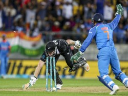 Wicketkeeper Ms Dhoni 4 Moments Brilliance