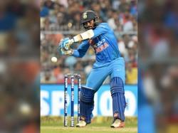 Mumbai Indians Take Dig At Dinesh Karthik After The Hamilton Loss