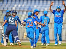 Indian Women Vesus England Women 1st Odi Bisht Guides India To 66 Run Win