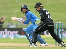 New Zealand Women Take 1 0 Lead Despite Mandhana S Record Fifty