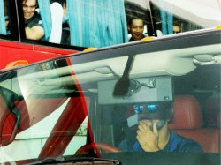 Ms Dhoni Turns Driver Host Team India Hometown Ranchi