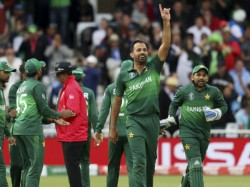 After Beating England In World Cup Twitter Parises Pakistan