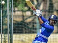 Bottle Cap Challenge Gabbar Is Back Shikhar Dhawan Picked Up The Bat For The First Time After Injury