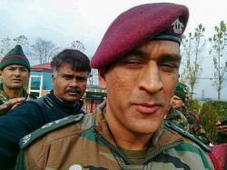rd Independence Day Lt Col Ms Dhoni Visits Ladakh Spends Time In Army Hospital