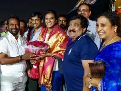 World Champion Pv Sindhu Offers Prayers At Tirupati Temple