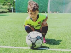 Lionel Messi S Son Mateo Mimick Father S Iconic Goal Celebration