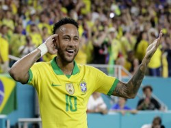 Brazil Draw With Colombia 2 2 Neymar Scores On Return