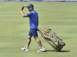 India Win Over South Africa In Ranchi Ms Dhoni Spotted In Dressing Room