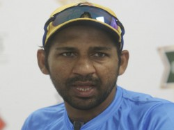 Sarfaraz Ahmed Removed From The Pakistan S Test And T20 Captaincy