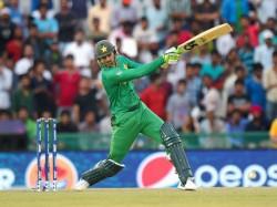 Shoaib Malik Joins Elite Club Scores 9000 Runs In T20 Cricket