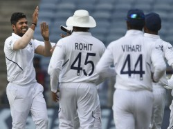 Pacers Done It Again For India Umesh And Shami Rattle South Africa