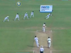 Ind Vs Sa Pune Test Umesh Yadav Will Give Treat To Wriddhiman Saha For Outstanding Catch