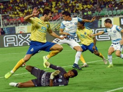 Kerala Beat Hyderabad By 5 Goals To One In Isl