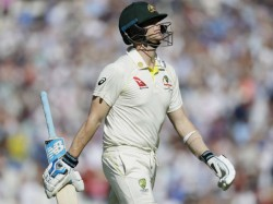 Steve Smith Angry On Umpire Nigel Llong On Boxing Day Test