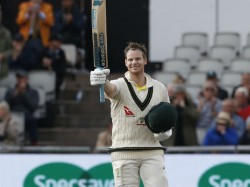 Steve Smith Recives Loud Cheers After Score First Run In 45 Minutes