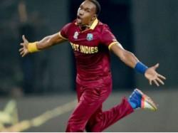 Wi Vs Ire Dwayne Bravo Takes 2 Wicket In International Comeback