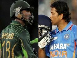 Shoaib Malik Touch The Record Of Sachin Tendulkar