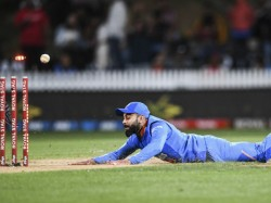India Vs New Zealand Virat Kohli Does A Jonty Rhodes Spectacular Run Out Video Goes Viral
