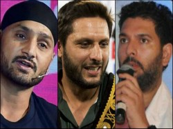 Yuvraj Singh Ask To Help Shahid Afridi S Foundation For Coronavirus Relief Netizens Slams
