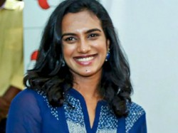 Pv Sindhu Distributes Relief Materials To Needy People During Coronavirus Lockdown