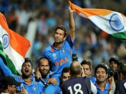 On This Day 9th Year Of India S World Cup Win Dhoni And Co Lift The World Cup In