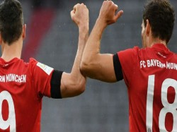 Bayern Munich Beat Eintracht Frankfurt 5 2 Take 4 Point From Borussia Dortmund