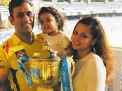 Ms Dhoni Cuddles His Pets And Ziva Watch It Video Goes Viral In Social Media