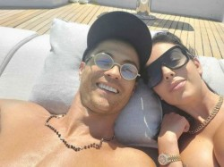 Cristiano Ronaldo Spend Relax Time With Girl Friend Georgina Rodriguez In Yacht In Portofino