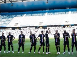 Psg Thrash Le Havre 9 0 Neymar Score 2 Goals 5000 Crowd Back In Gallery