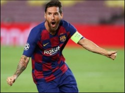 Champions League Lionel Messi Helps Barcelona Win Aginst Napoli To Reach Quater Final